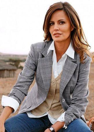 Como usar blazer gris mujer